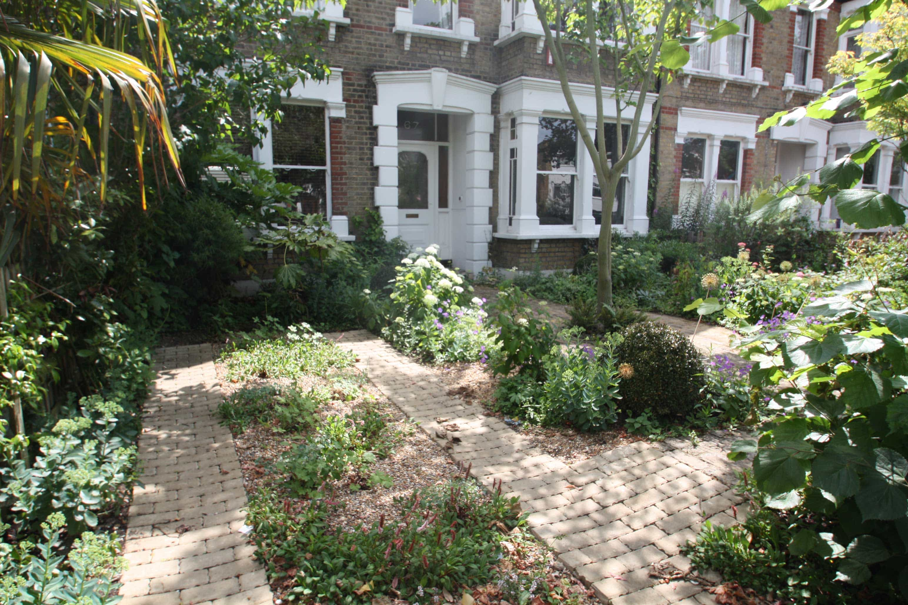 SuDS compliant front garden