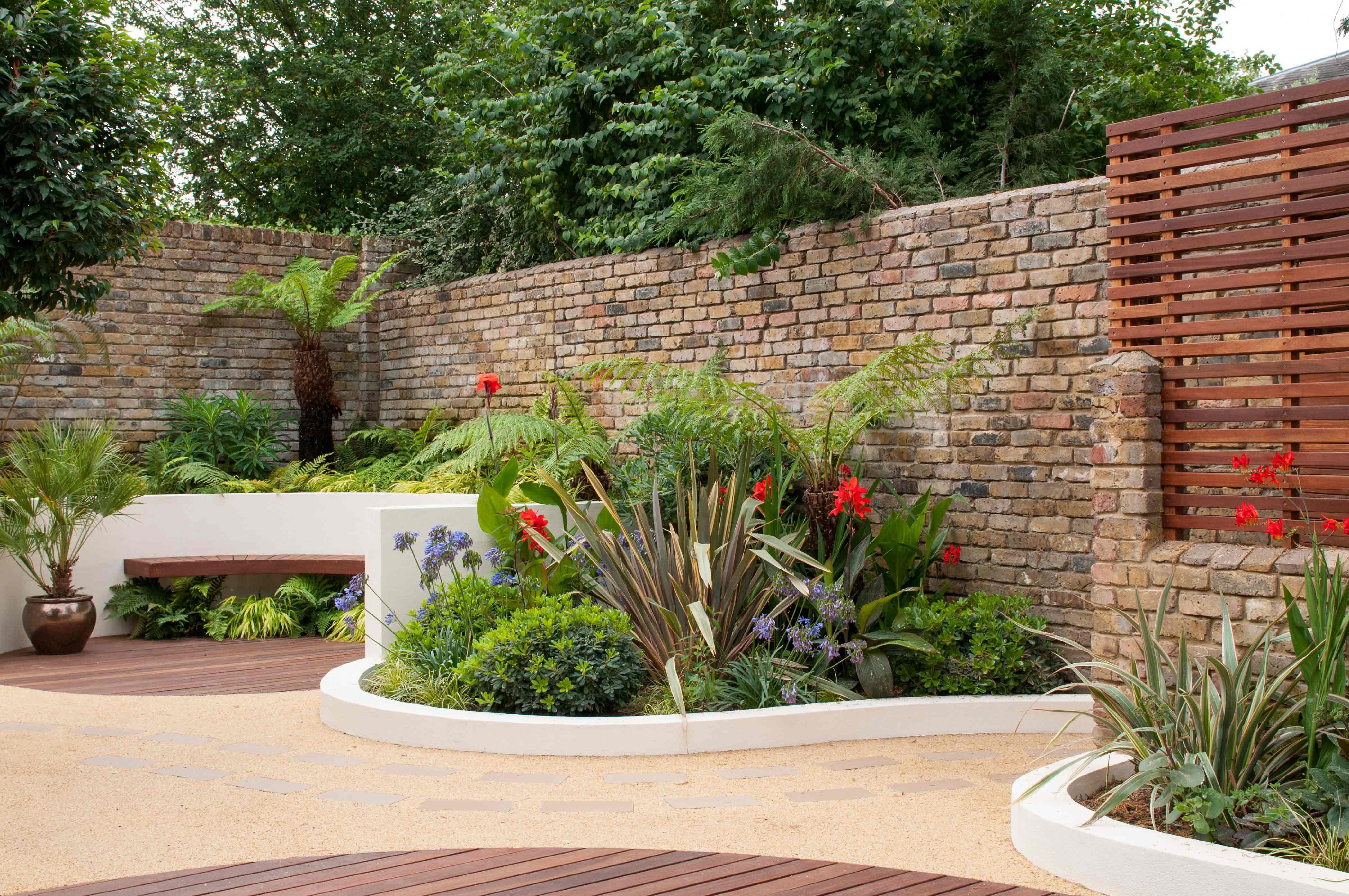Blackheath courtyard garden garden design london for Garden designs images pictures